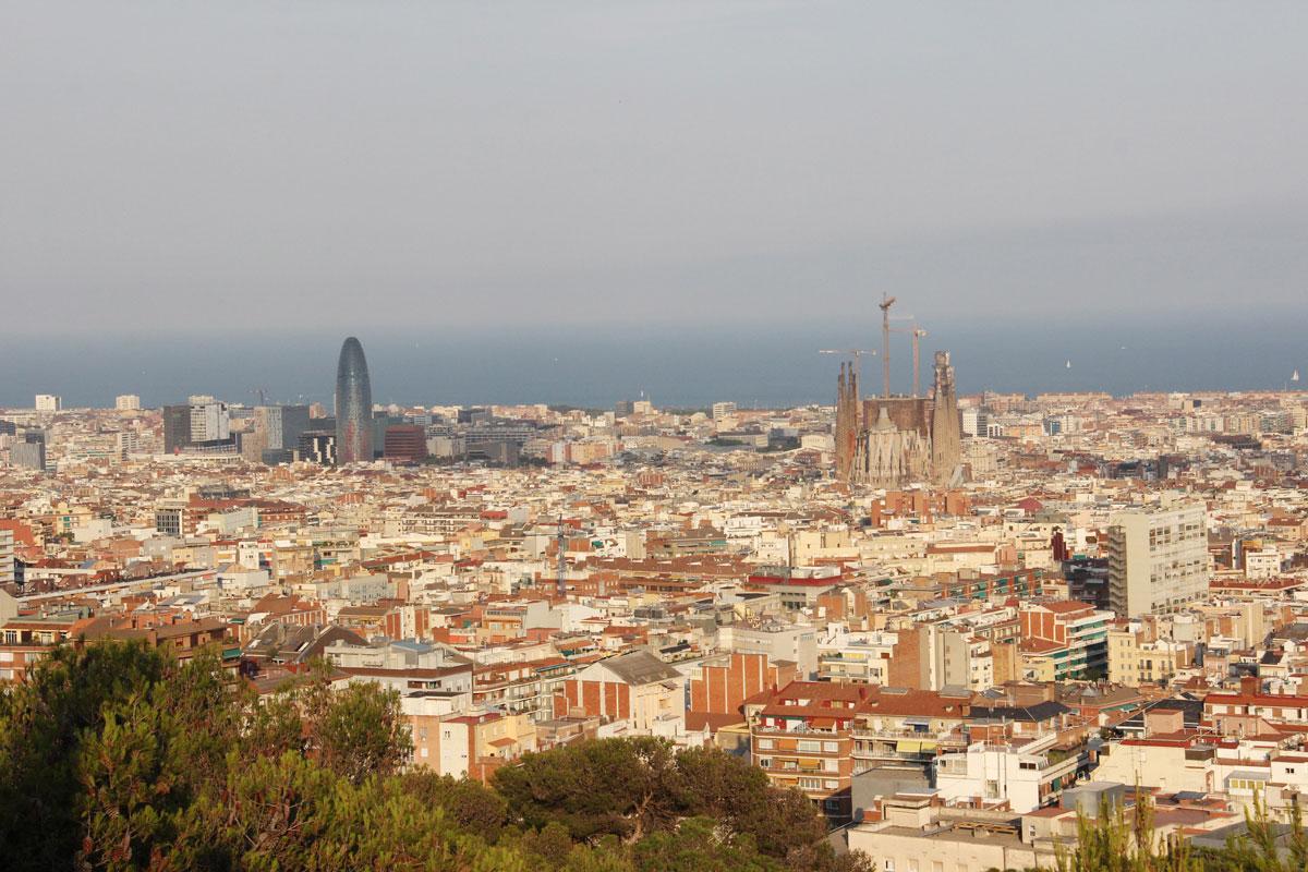 barcelona parkguell aussicht 1 - Gaudi in Barcelona - Architektur zum Verlieben