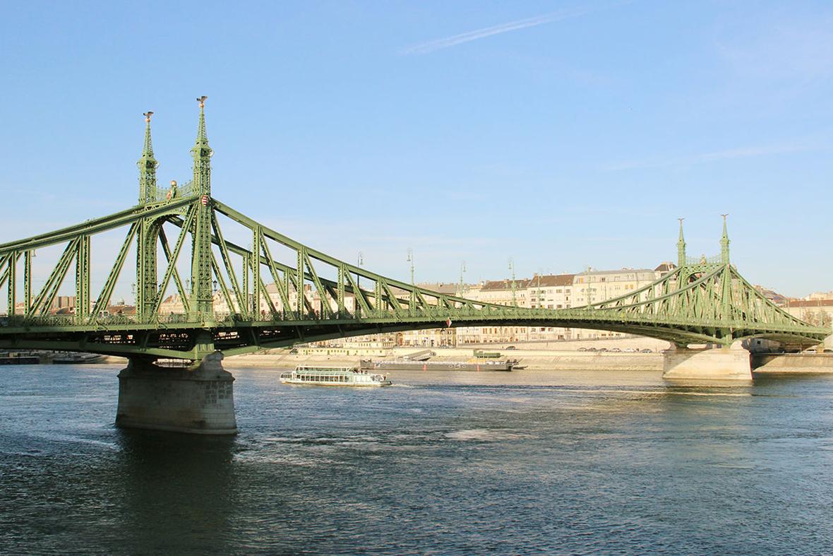 budapest-freiheitsbrücke