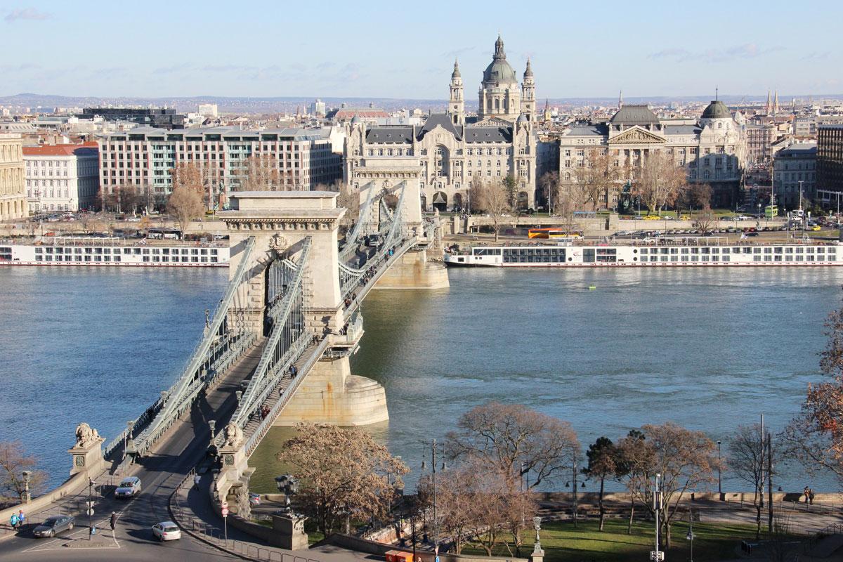 budapest-kettenbrücke-burgviertel