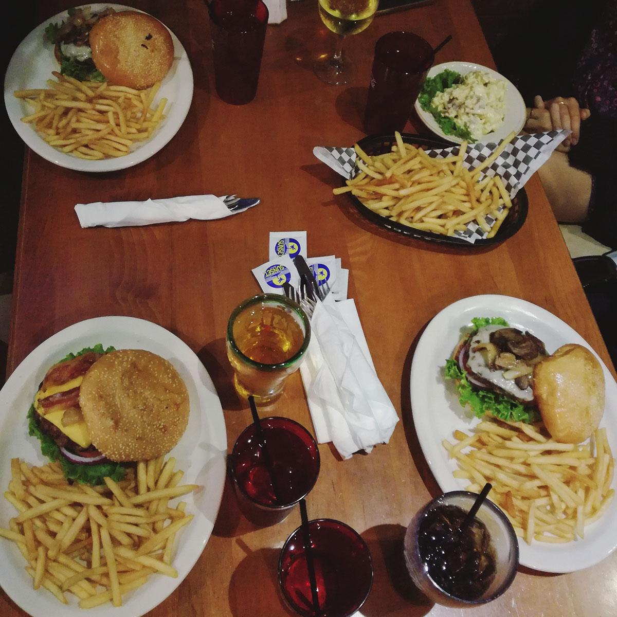 sandiego-gaslampdistrict-burger