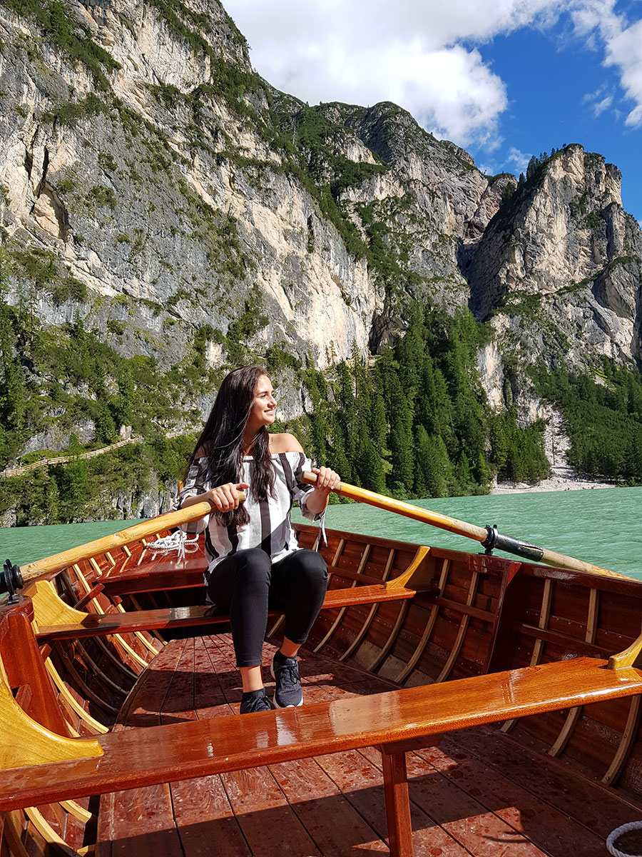 pragser wildsee rudern boot - Der Pragser Wildsee in den Dolomiten