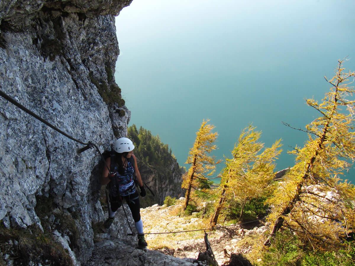 Klettersteig Mahdlgupf : Attersee klettersteig mahdlgupf d youtube