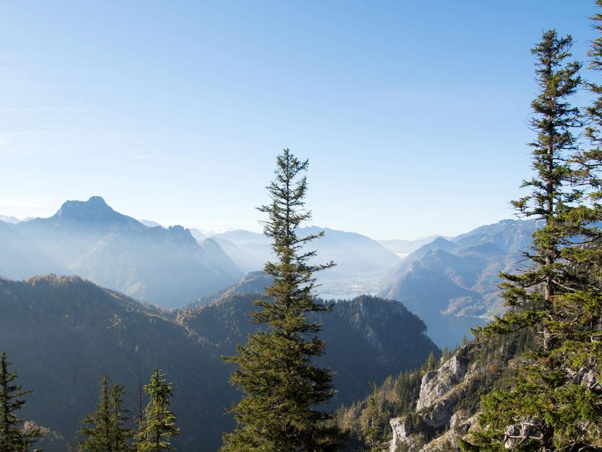 Ausblick von der Wanderung auf den Traunstein