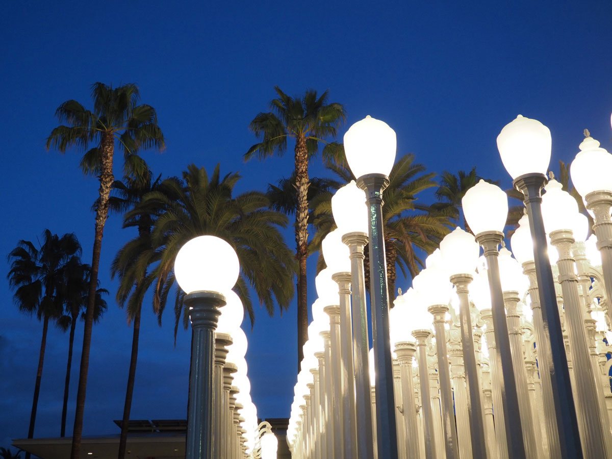 Die Laterninstallation Beim LACMA Los Angeles County