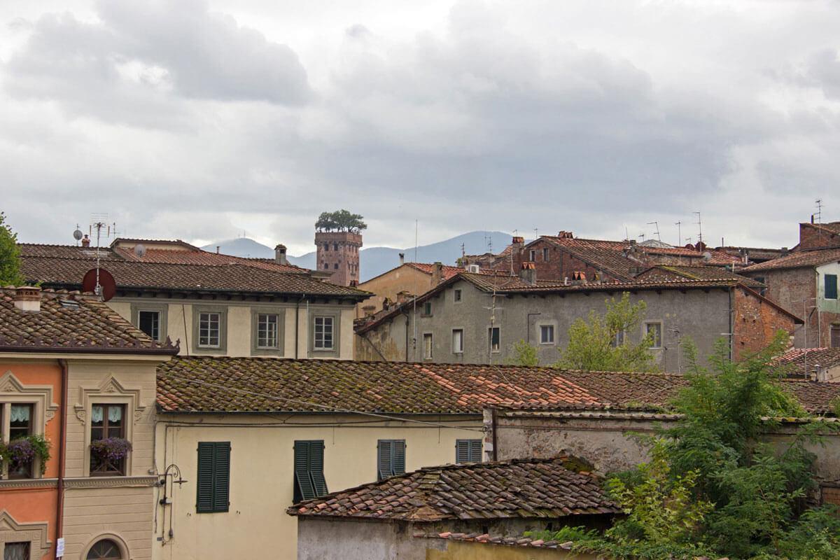 lucca 4 - Den Norden Italiens mit dem Auto entdecken – Roadtrip Venedig, Florenz, Lucca, Cinque Terre und Mailand