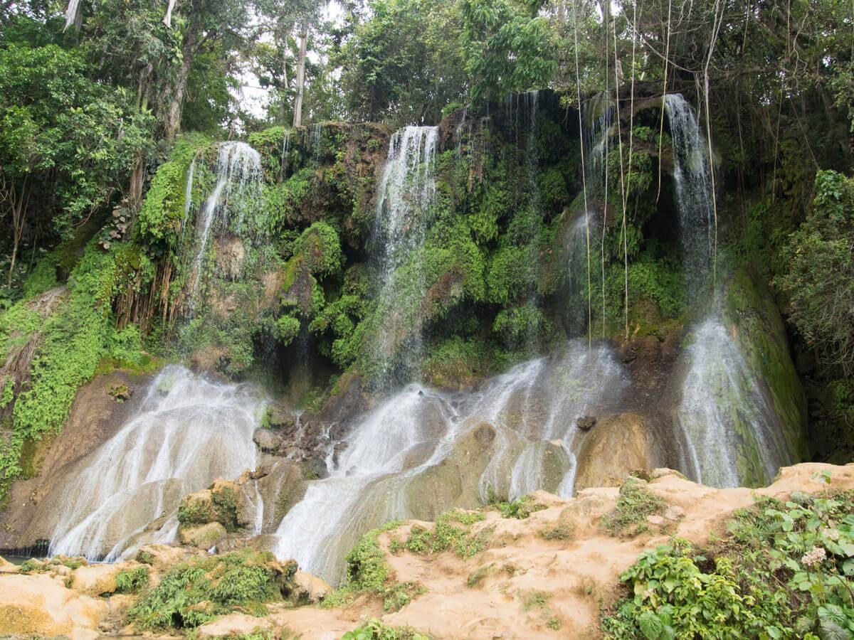 P3270088 - Ausflug zum El Nicho Wasserfall und Hanabanilla See