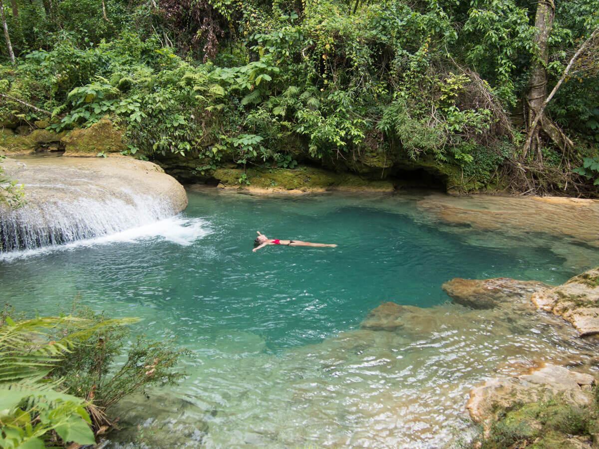 El Nicho Wasserfall baden