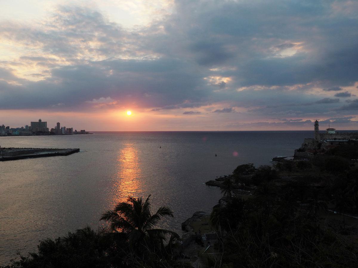 Havanna Sehenswertes Fortaeza de San Carlos de la Cabana