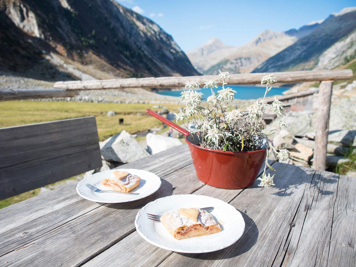 Leckere Speisen Hohenaualm Klein Tibet im Zillertal in Tirol