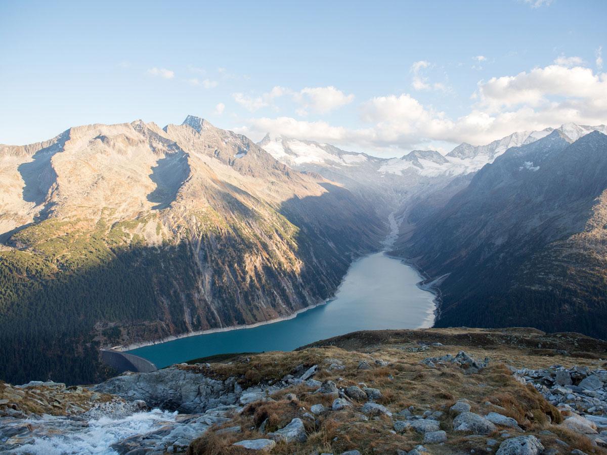 Wandern im Zillertal in Tirol zur Olpererhütte