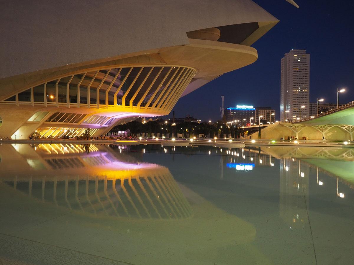 ciutat de les arts ciences valencia sonnenuntergang 11 - Valencia erkunden - Reiseplanung, Highlights, Ausflugstipps