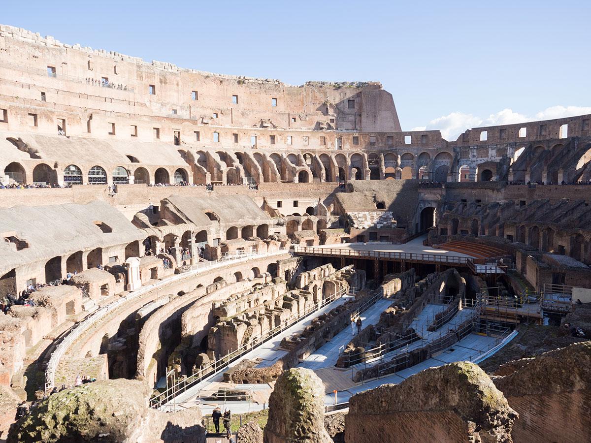 rom kolosseum innen - Spaziergang durch Rom - Zu Fuß in Rom unterwegs - Sehenswertes und Reisetipps