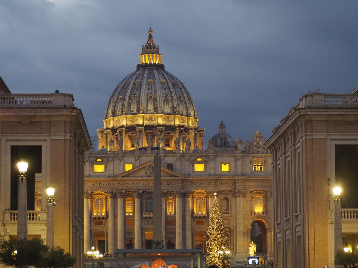 rom petersdom spaziergang sehenswertes - Spaziergang durch Rom - Zu Fuß in Rom unterwegs - Sehenswertes und Reisetipps