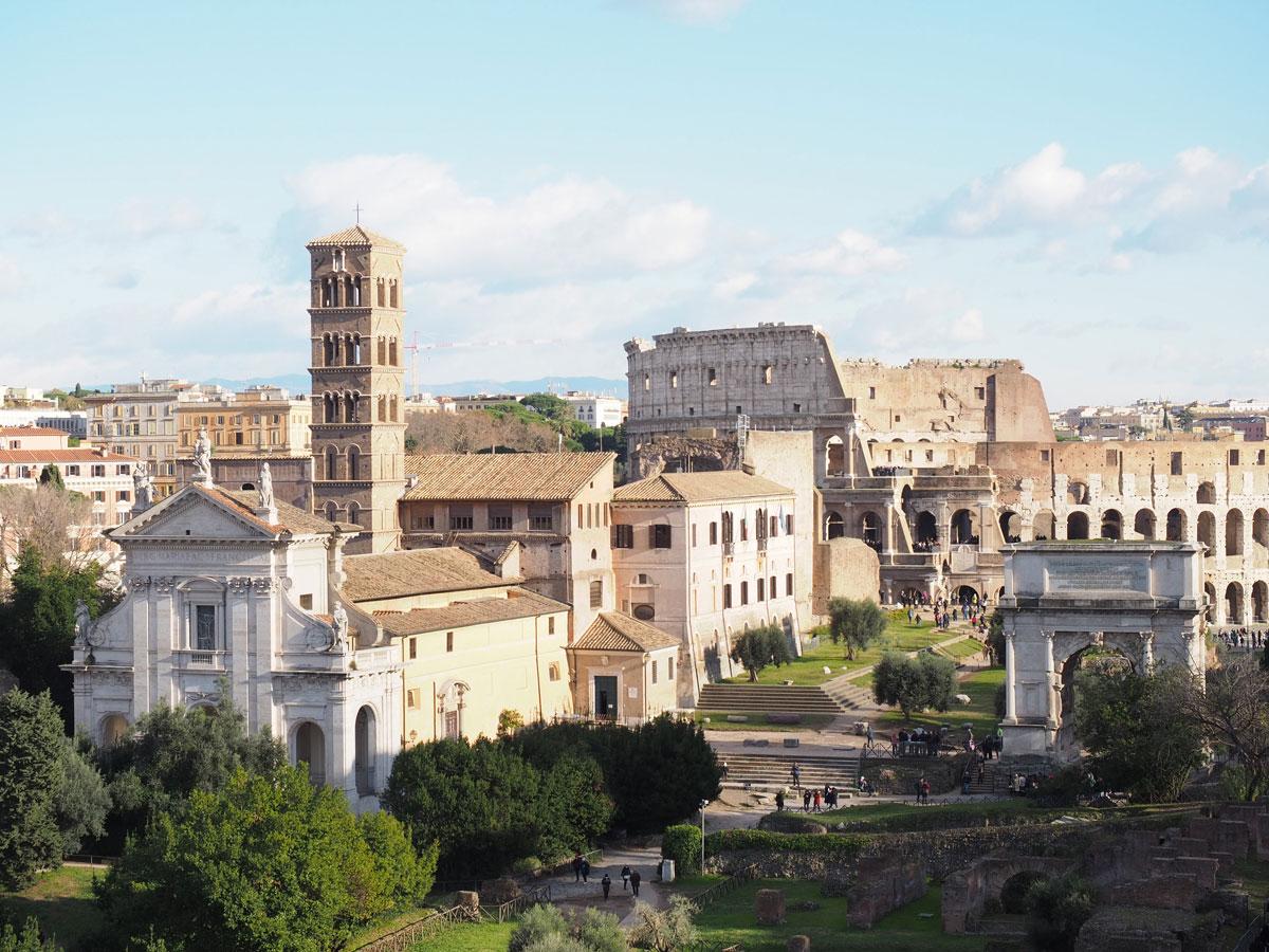 sehenswertes rom forum romanum 2 - Spaziergang durch Rom - Zu Fuß in Rom unterwegs - Sehenswertes und Reisetipps