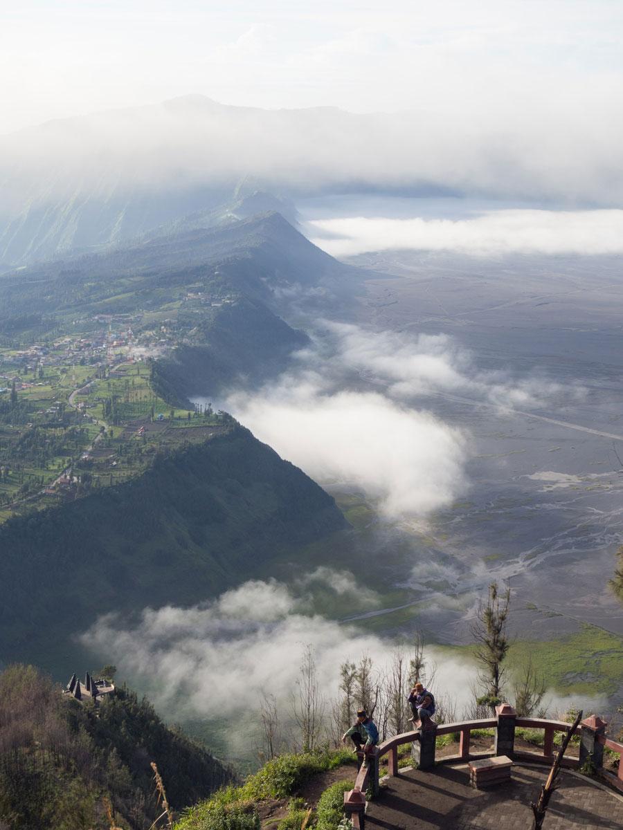 bromo java sonnenaufgang wandern selbst organisiert 38 - Mt. Bromo auf Java auf eigene Faust erkunden - Tipps zu Anreise und Übernachtung