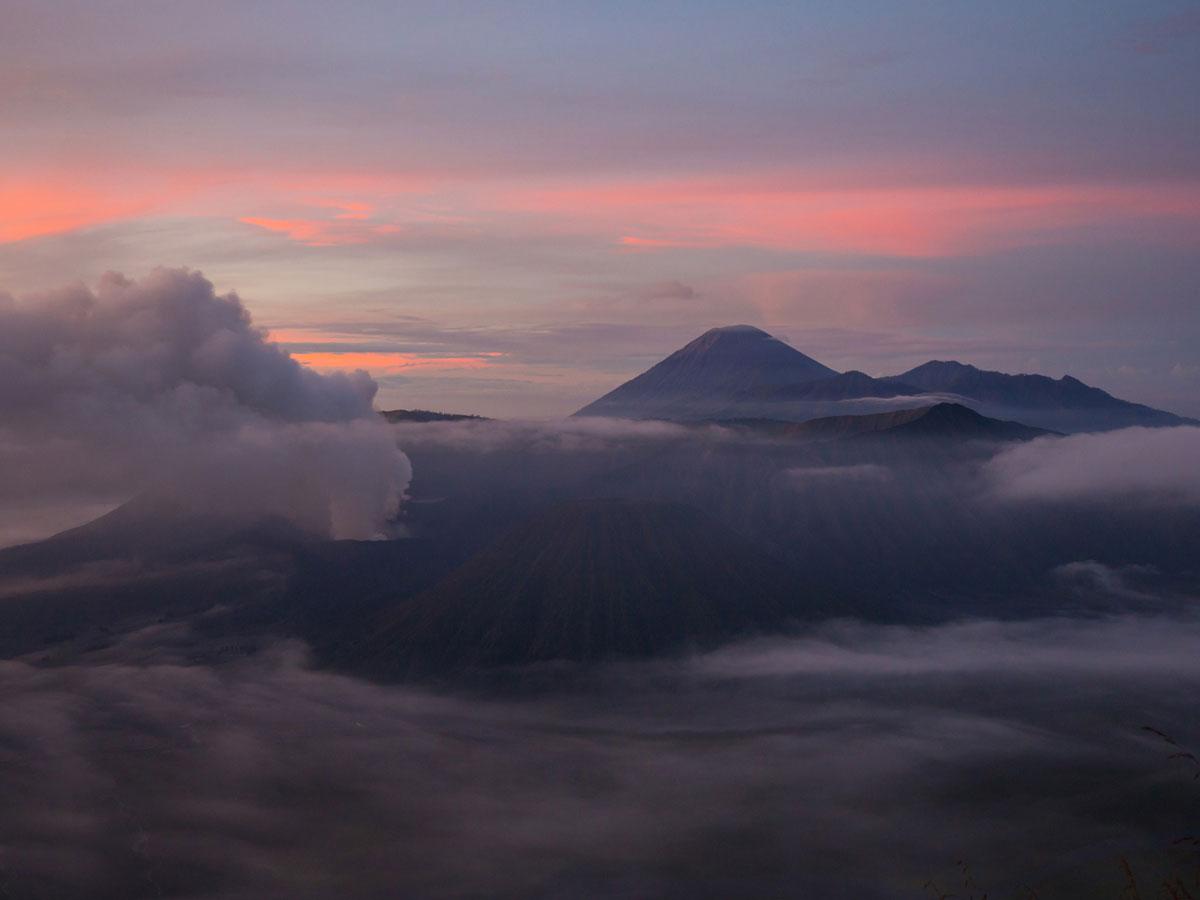 bromo java sonnenaufgang wandern selbst organisiert 66 - Sonnenaufgang und Sea of Sand beim Mt. Bromo - Wanderung auf eigene Faust