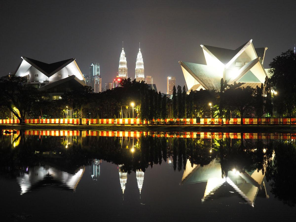 kuala lumpur istana budaya 1 - Highlights für einen Stopover in Kuala Lumpur – Was ihr in 24 Stunden unbedingt sehen müsst