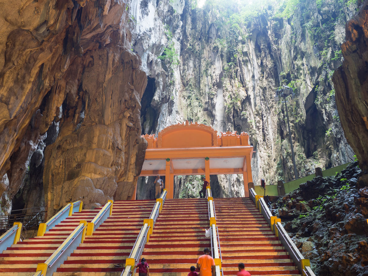kuala lumpur malaysien batu caves 3 - Highlights für einen Stopover in Kuala Lumpur – Was ihr in 24 Stunden unbedingt sehen müsst