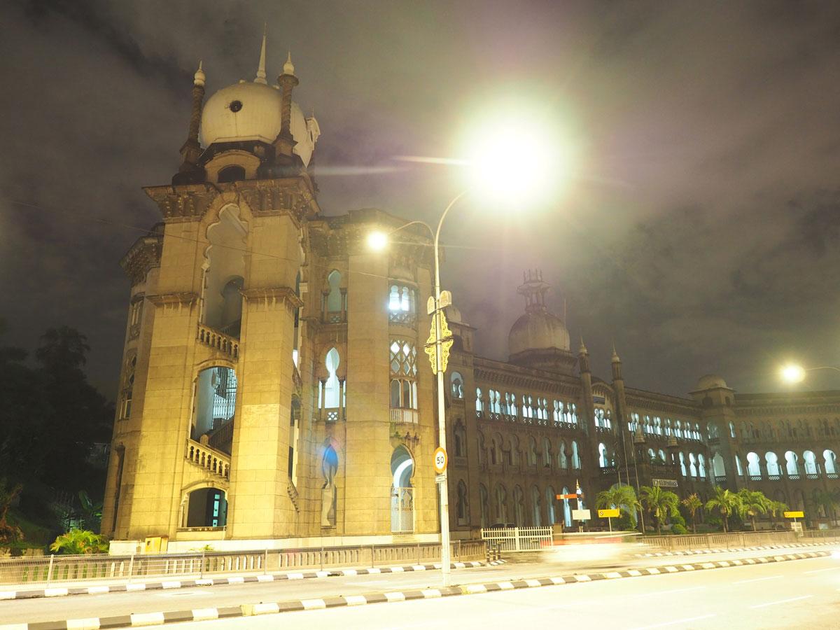 kuala lumpur railway station 2 - Highlights für einen Stopover in Kuala Lumpur – Was ihr in 24 Stunden unbedingt sehen müsst