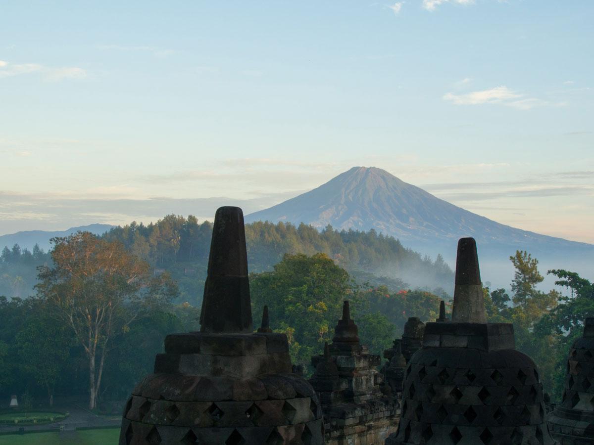 borobudur tempel java indonesien sonnenaufgang 10 - Borobodur Tempel in Java (Indonesien) zu Sonnenaufgang