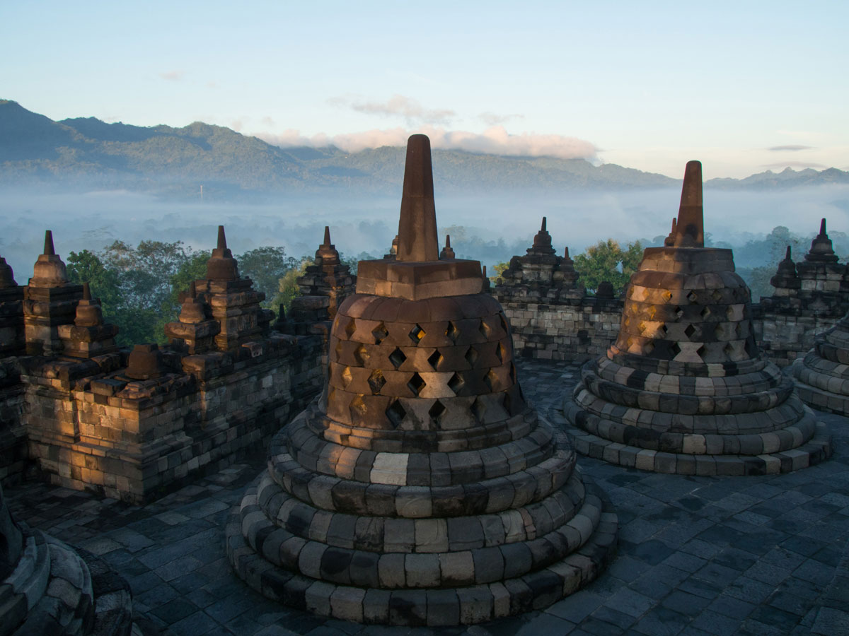 borobudur tempel java indonesien sonnenaufgang 11 - Borobodur Tempel in Java (Indonesien) zu Sonnenaufgang