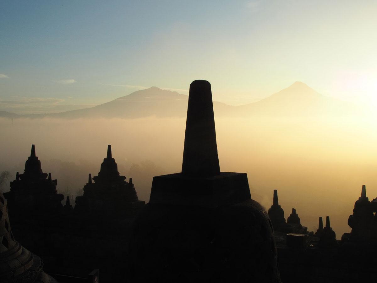 borobudur tempel java indonesien sonnenaufgang 13 - Sehenswertes in und um Yogyakarta auf Java, Indonesien