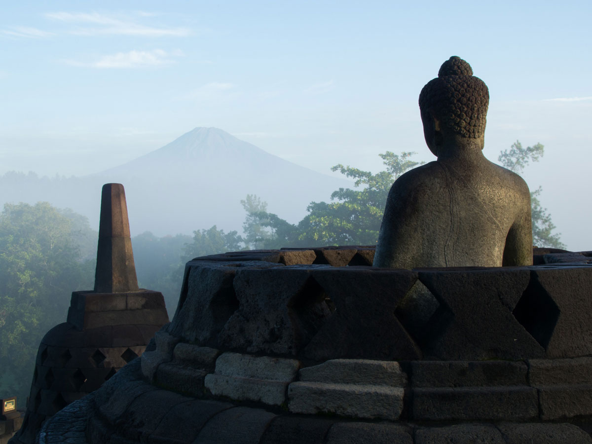 borobudur tempel java indonesien sonnenaufgang 15 - Borobodur Tempel in Java (Indonesien) zu Sonnenaufgang