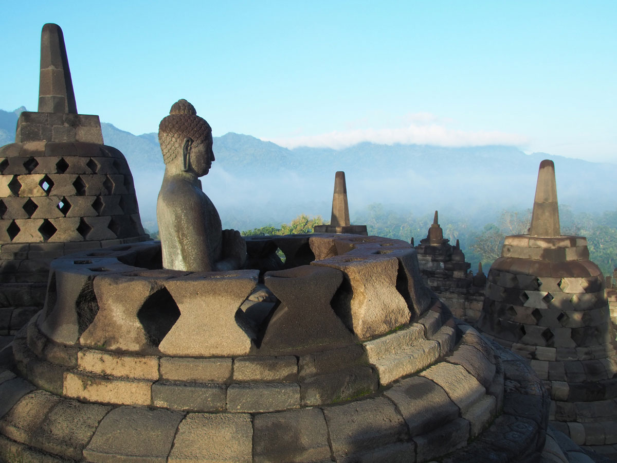 borobudur tempel java indonesien sonnenaufgang 16 - Borobodur Tempel in Java (Indonesien) zu Sonnenaufgang