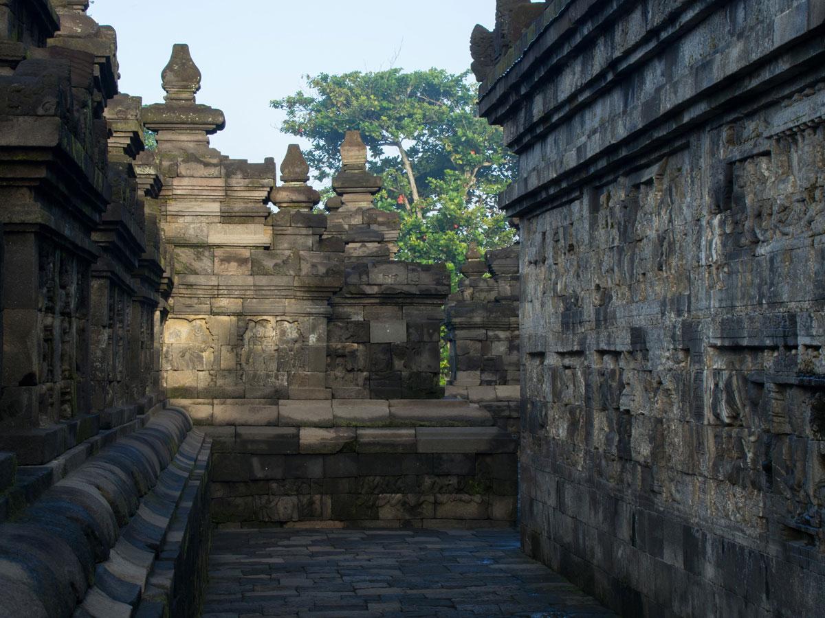 borobudur tempel java indonesien sonnenaufgang 19 - Borobodur Tempel in Java (Indonesien) zu Sonnenaufgang