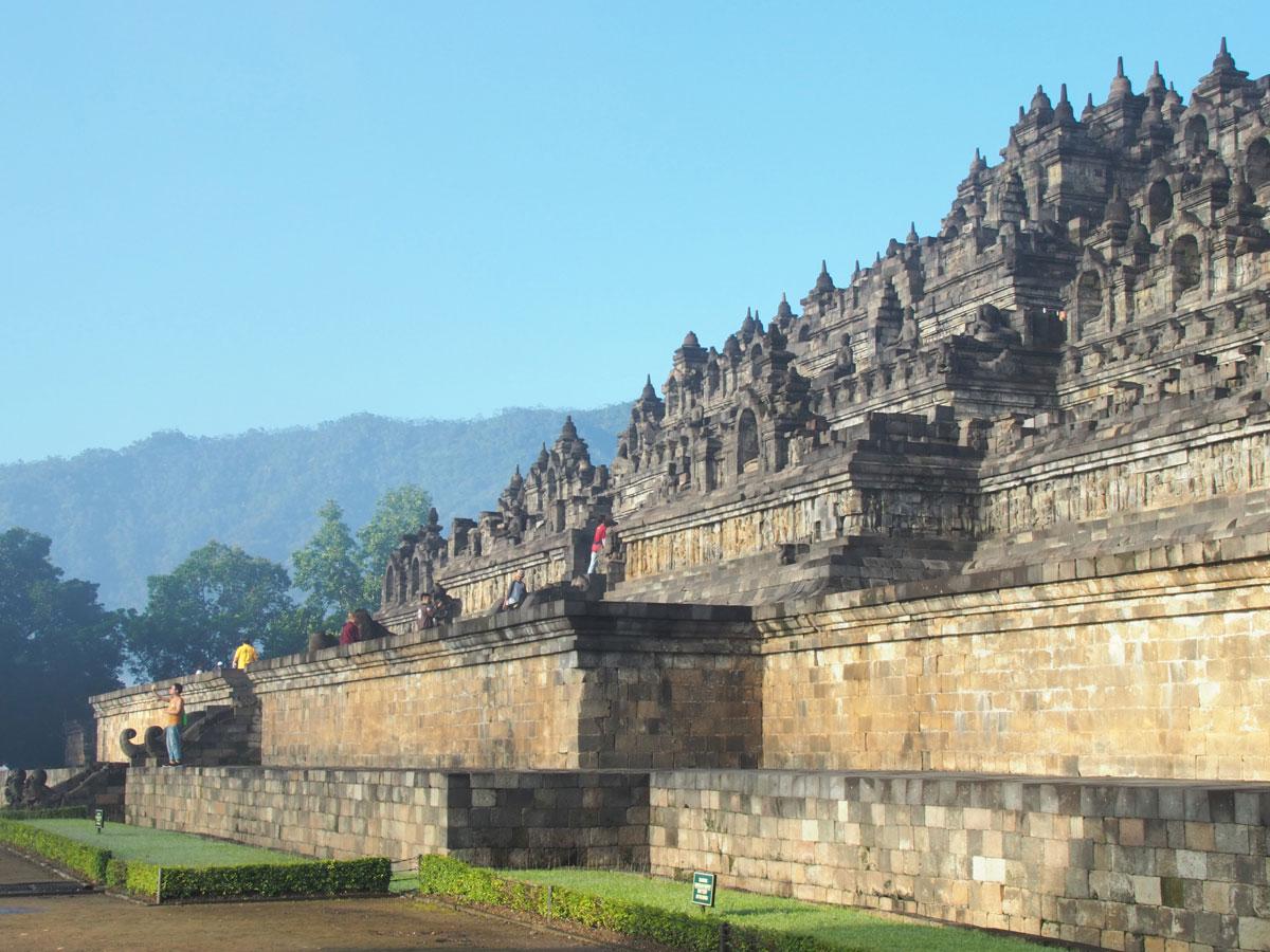 borobudur tempel java indonesien sonnenaufgang 22 - Borobodur Tempel in Java (Indonesien) zu Sonnenaufgang