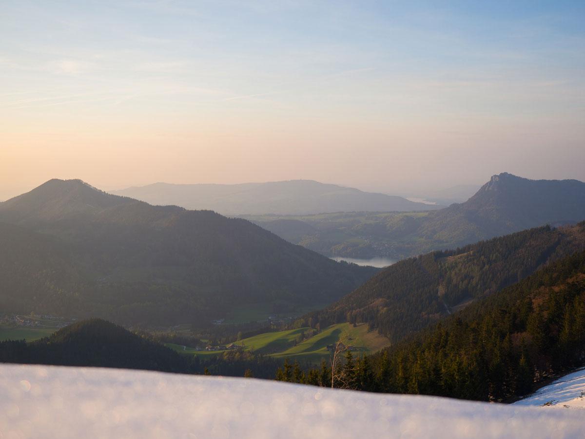 Sonnenuntergang Faistenauer Schafberg Blick in Richtung Salzkammergut