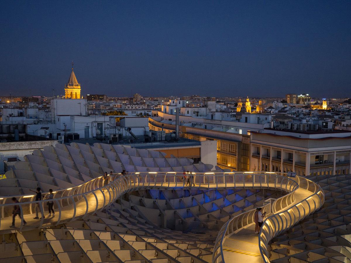 Metropol Parasol Sevilla bei Nacht