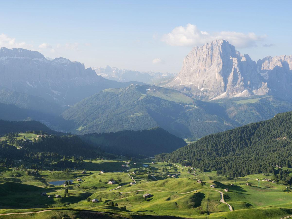 seceda groeden suedtirol dolomiten wandern 12 - Wandern auf die Seceda von Wolkenstein - Sonnenaufgang auf der Seceda