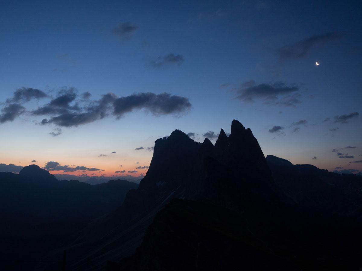 seceda groeden suedtirol dolomiten wandern 2 - Wandern auf die Seceda von Wolkenstein - Sonnenaufgang auf der Seceda