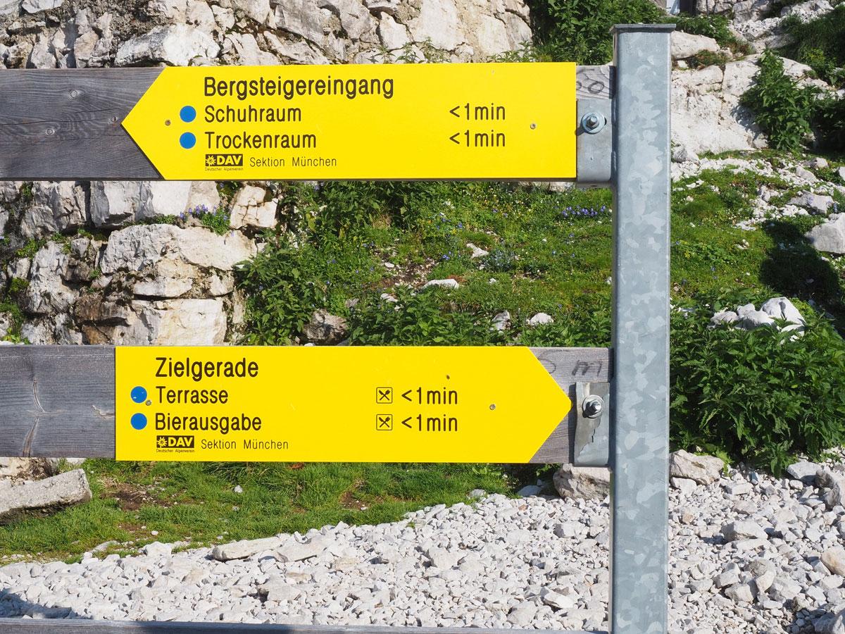 zugspitze ueber reintalangerhuette 11 - Wanderung auf die Zugspitze - Auf Spuren der Erstbesteiger auf Deutschlands höchsten Berg