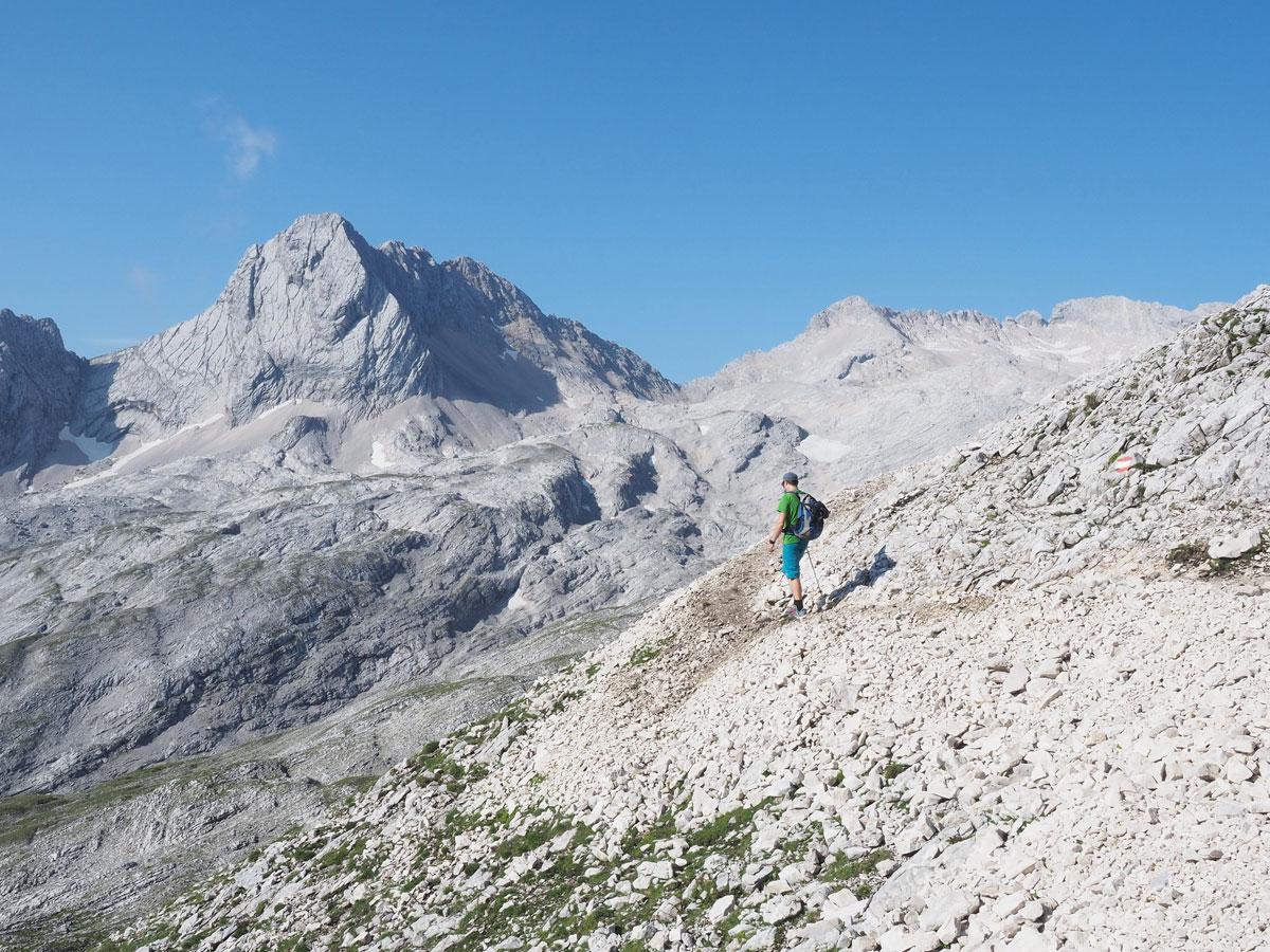 Wanderer bei der Wanderung auf die Zugspitze