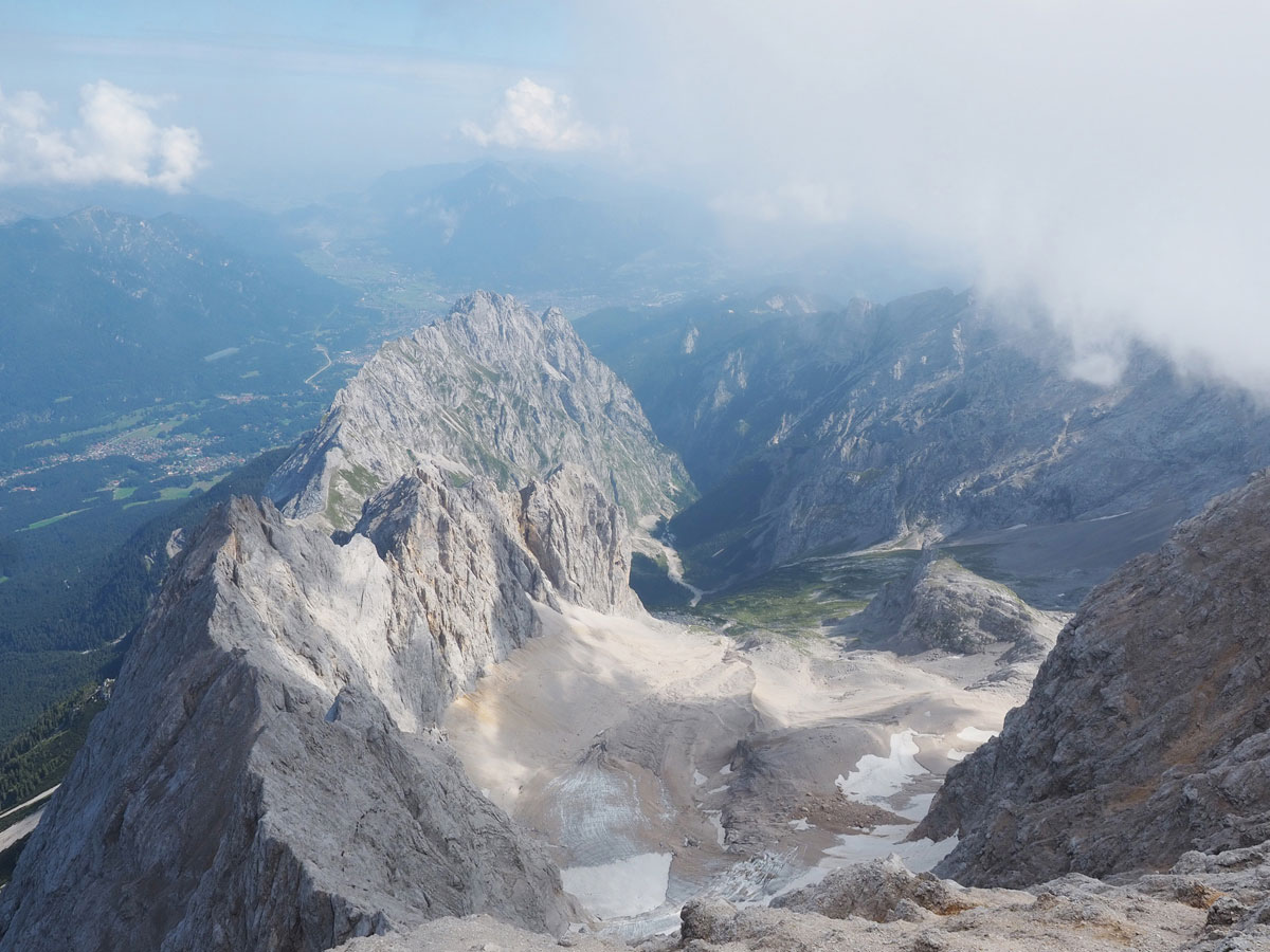 zugspitze ueber reintalangerhuette 19 - Ausflugstipps für Bayern - Sehenswertes zwischen Garmisch und München