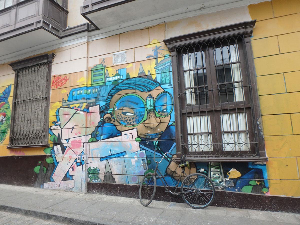 Graffiti in Callao Monumental Peru