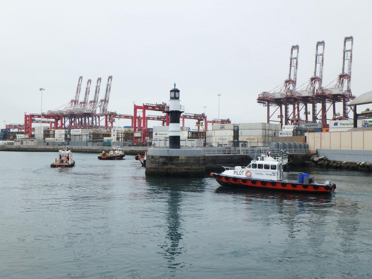 Hafen von Lima Peru