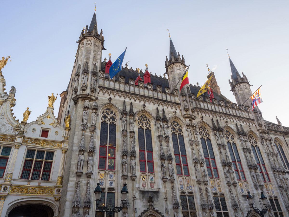 brugge rathaus 3 - Reiseguide für Brügge, Belgien - Sehenswertes, Reisetipps und Fototipps