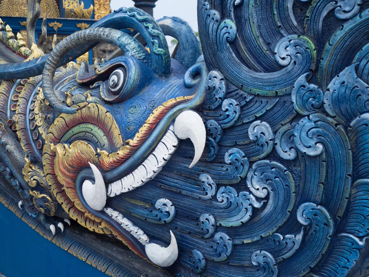 blauer tempel chiang rai3 - Reiseguide Chiang Rai - weißer Tempel, blauer Tempel und Big Buddha
