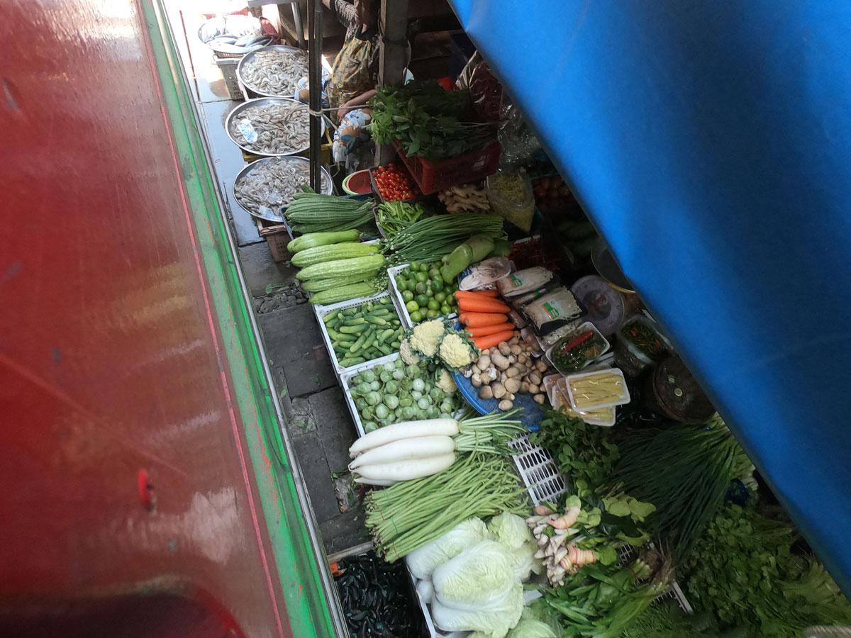maeklong trainmarket bangkok reisetipps selbstfahrer 2 - Maeklong train market in Bangkok - How to self organise a tour