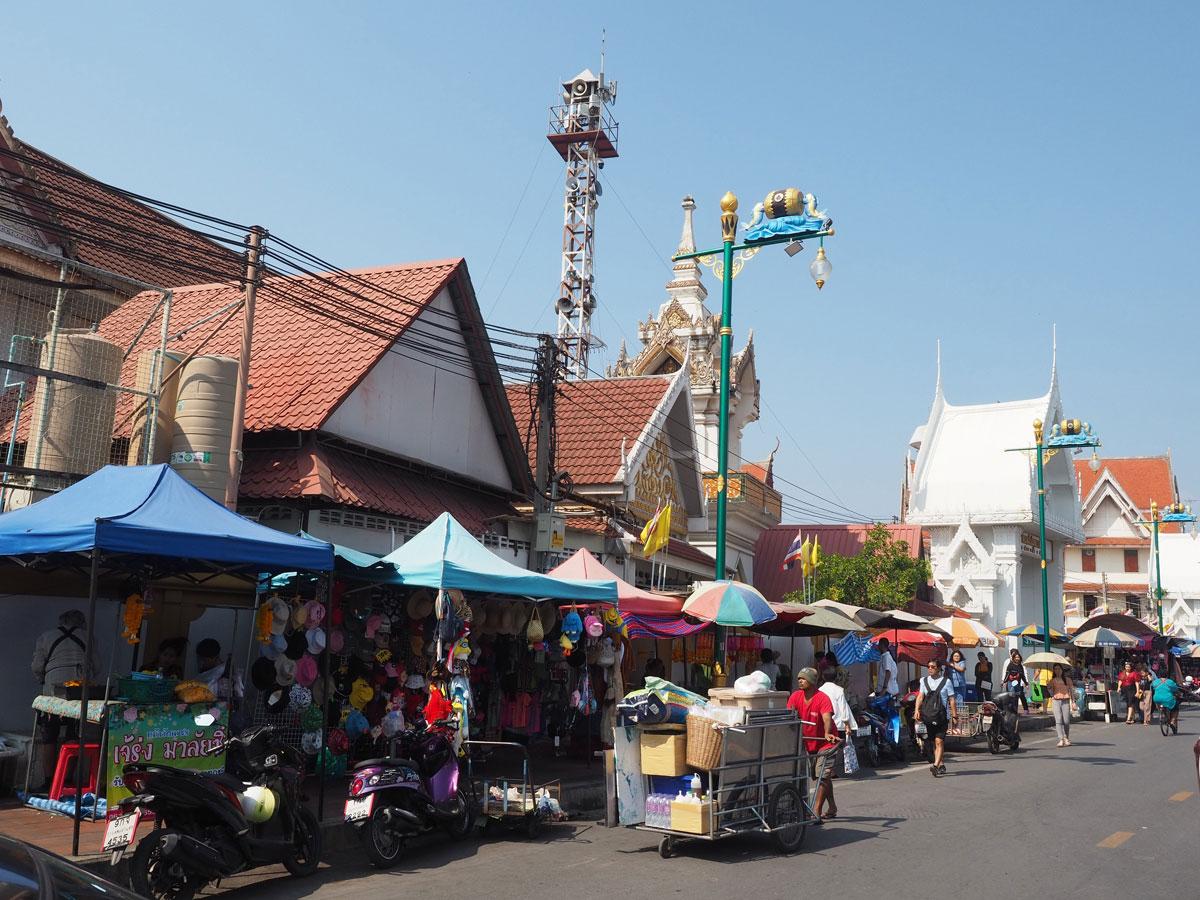 maeklong trainmarket bangkok reisetipps selbstfahrer 20 - Maeklong train market in Bangkok - How to self organise a tour