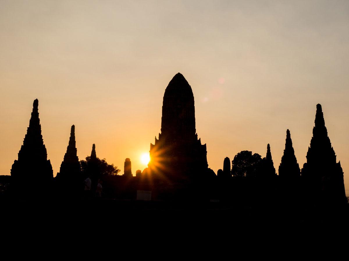 wat Chaiwatthanaram ayutthaya - 9 Orte die man in Ayutthaya, Thailand unbedingt gesehen haben muss