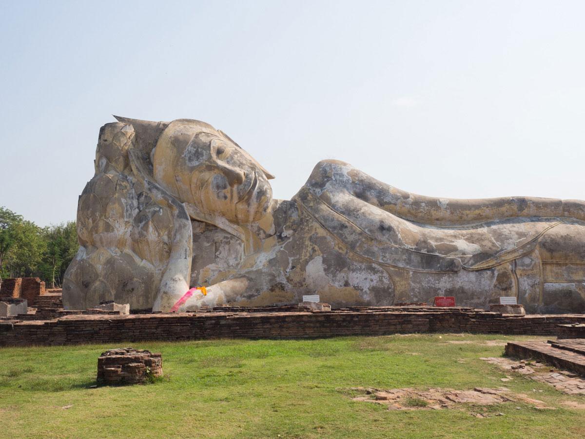 wat Lokayasutha ayutthaya thailand - 9 Orte die man in Ayutthaya, Thailand unbedingt gesehen haben muss
