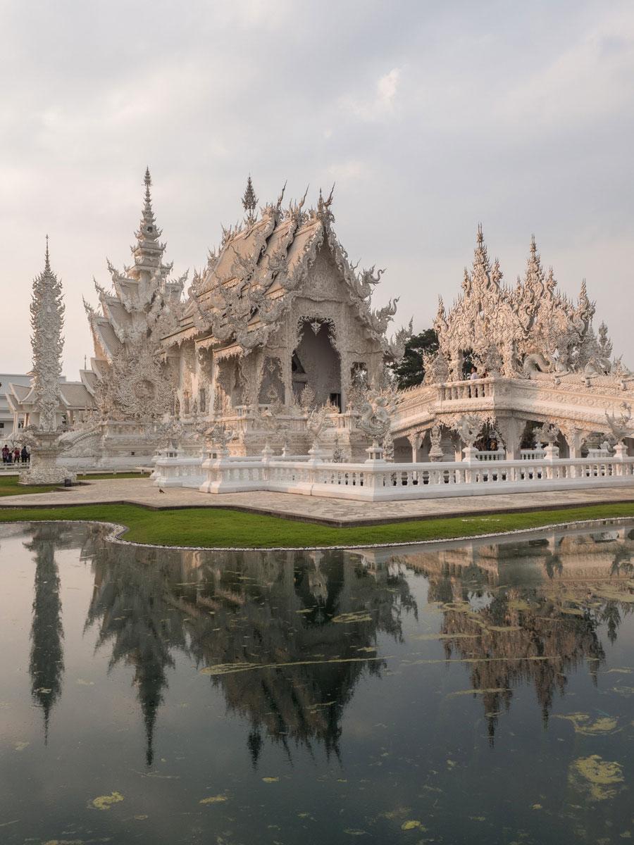 white temple chiang rai3 5 - Reiseguide Chiang Rai - weißer Tempel, blauer Tempel und Big Buddha
