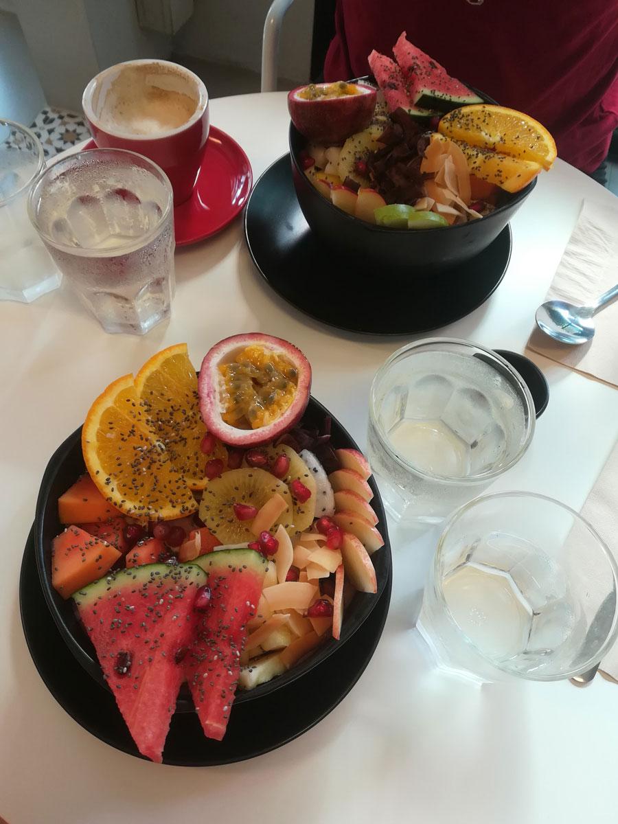 krabi thailand breakfast - Baden und entspannen in Krabi, Thailand - Die schönsten Strände und Orte
