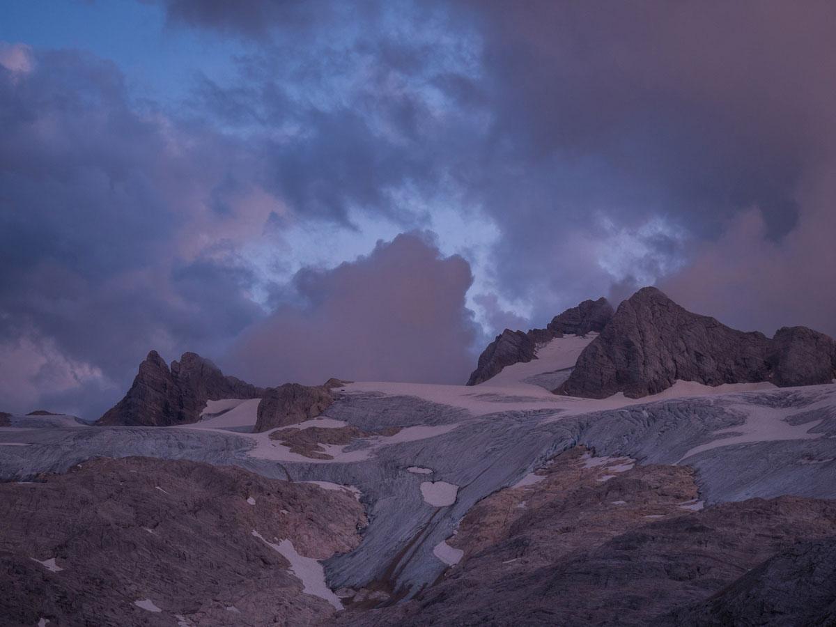 Simonyhütte Ausblick Dachstein blaue Stunde