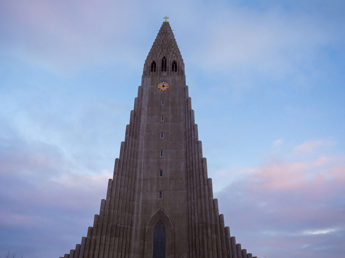 "Sehenswuerdigkeiten Reykjavik Island Hallgrimskirkja"""
